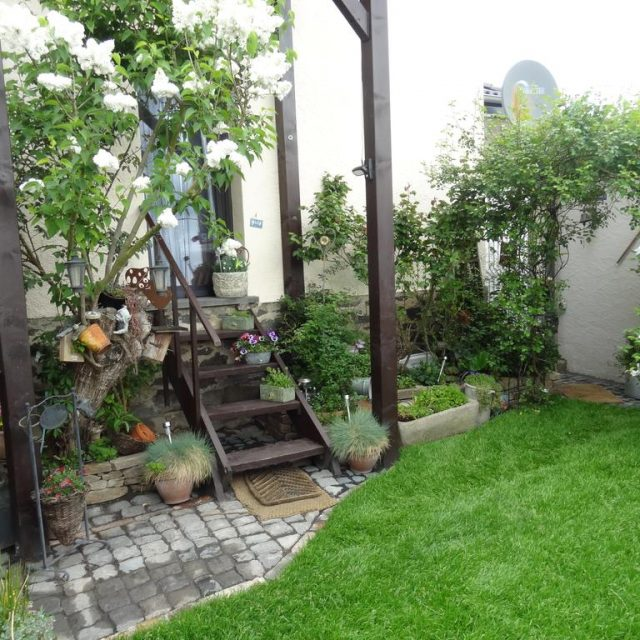 schöner Garten der Ferienwohnung Vogt auf dem Maifeld