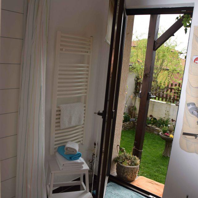Badezimmer der Ferienwohnung Vogt in Mertloch auf dem Maifeld, Urlaub zwischen Eifel und Mosel