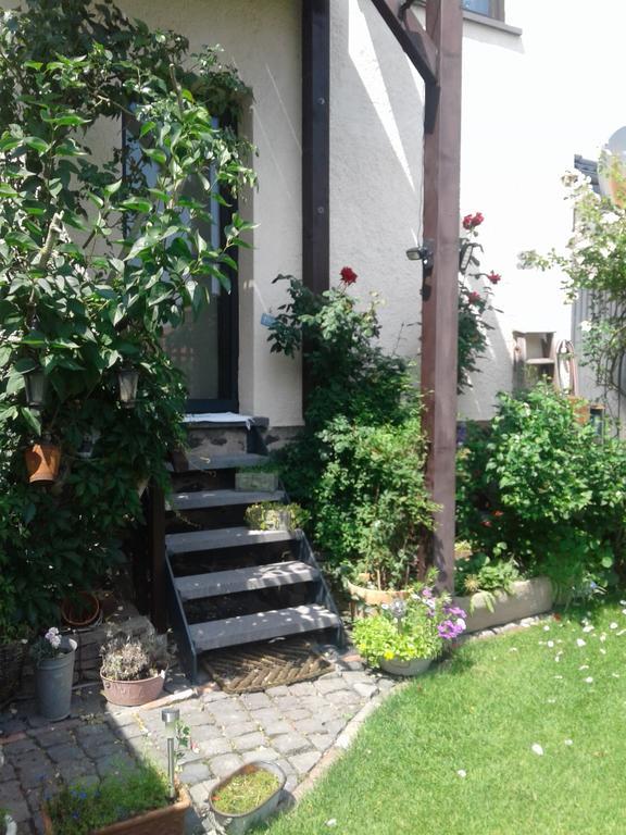 Treppe zum Garten der Ferienwohnung Vogt in Mertloch
