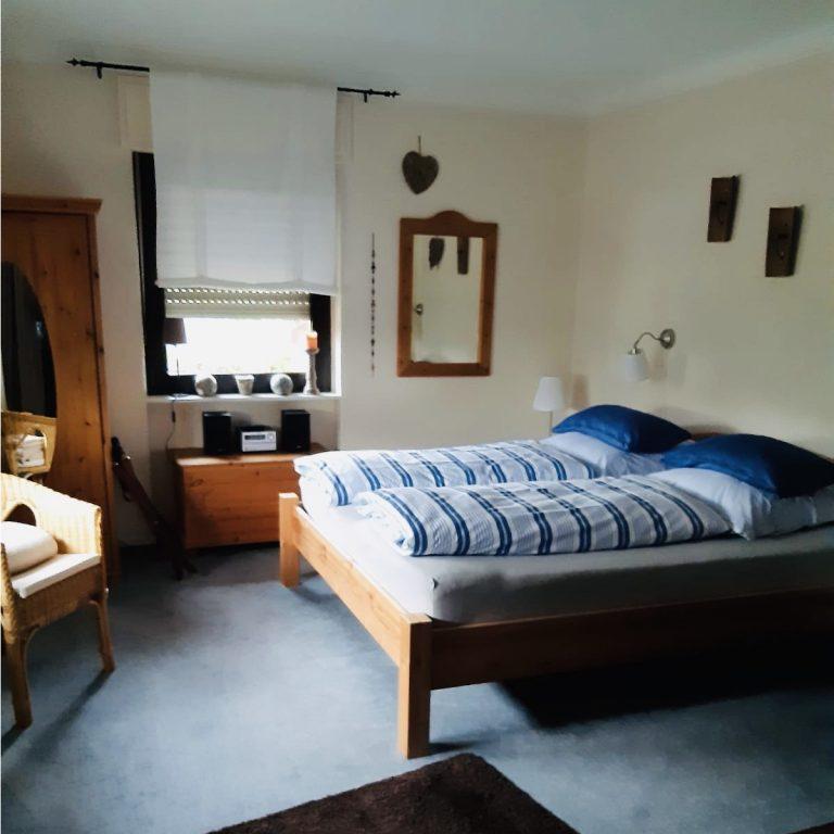 schlafbereich-ferienwohnung-vogt-mertloch-2020-3